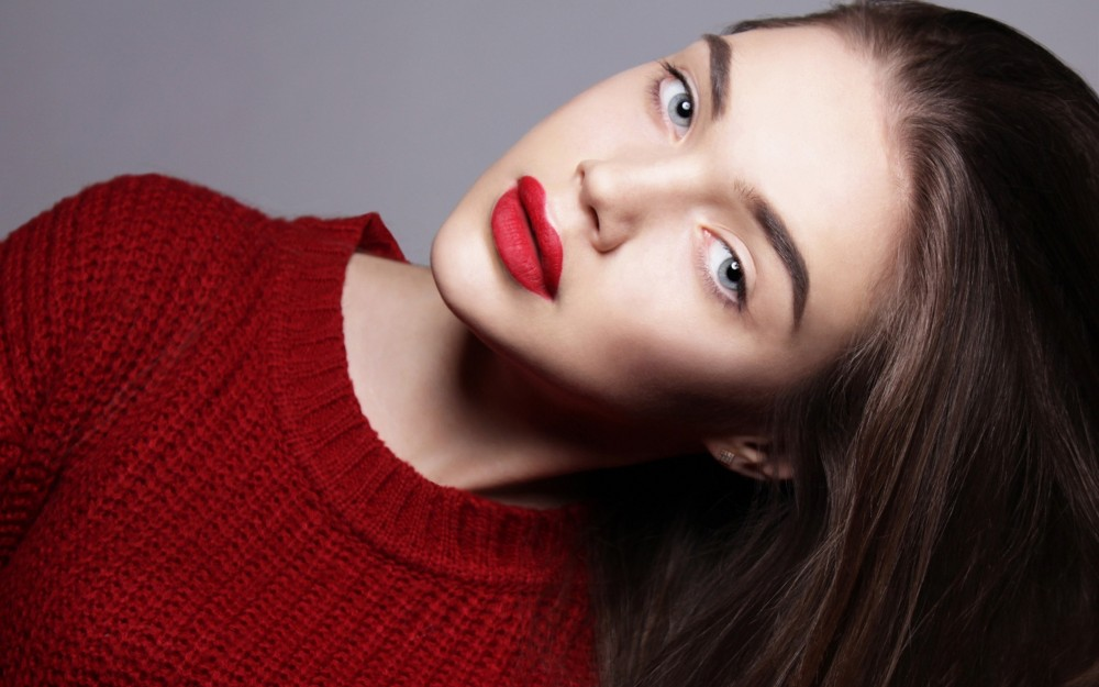 6978251-sweater-red-lips-girl-fashion-20161107145149